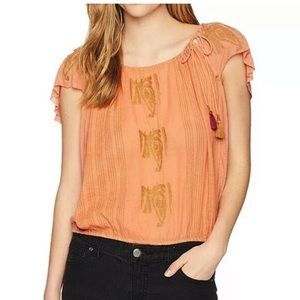 Free People embroidered pukka tee coral size Small